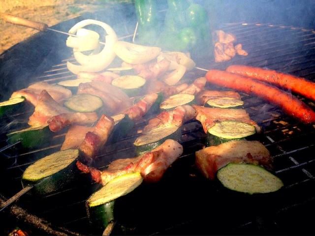 ズッキーニと豚肉の串焼き