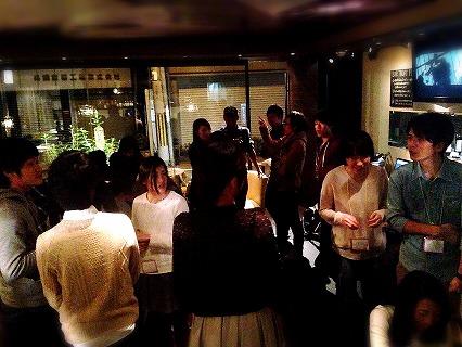友達作り飲み会in大阪の様子